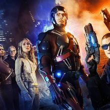 "Découvrez la bande annonce VOST de ""The Legends of Tomorrow"", le nouveau spin-off issu de l'univers ""Arrow"" / ""The Flash"""