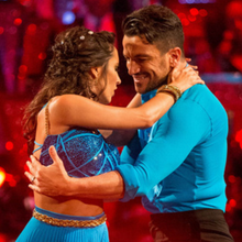 "Audiences UK : ""Strictly Come Dancing"" écrase ""The X-Factor"" ; ""Doctor Who"" respire sans le rugby ; 8 millions d'anglais pour le ""shocking moment"" de ""Downton Abbey"""