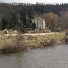 Sources et geyser au bord de l'Allier : Ste-Marguerite