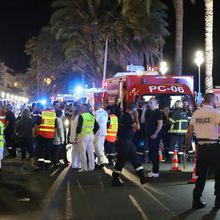 Attentat à Nice: Un camion fonce dans la foule - 84 morts selon la Police - Le plan Orsec déclenché
