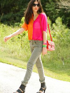 Bright blouse, Neon nails and Khaki Jeans