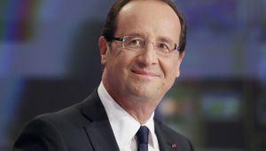 Hollande gagne deux points dans le premier sondage de 2014