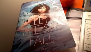 """Let the sky fall"" de Shannon Messenger"