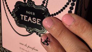 Nail art rose en couleur façon VS!!!