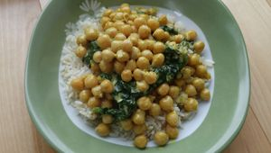 Curry de pois chiches et épinards