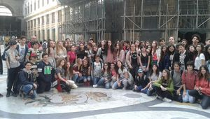 Nos coudekerquois du collège Boris Vian à Pompéi et Naples avec 60 autres jeunes européens