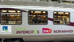 """SNCF: nouvelles menaces sur les trains """"Intercités"""""""