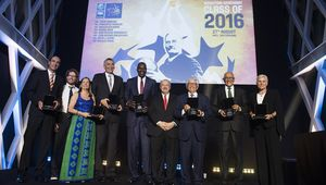 Hakeem Olajuwon et David Stern intronisés au Hall of Fame FIBA