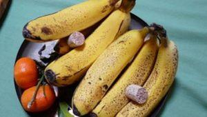 Astuce Géniale et Simple pour Empêcher Vos Fruits de Pourrir Trop Rapidement.   Découvrez l'astuce ici : http://www.comment-economiser.fr/empecher-fruits-pourrir.html