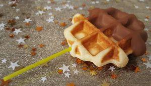 sucettes de mini gaufres en chocolat