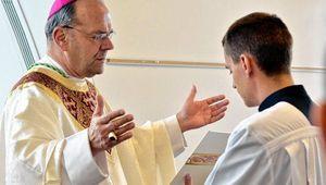 Este obispo acusa los niños de provocar los abusos sexuales que sufren