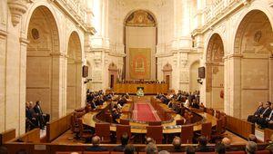 El sueldo mínimo de los andaluces será de 3.850€ al mes. Si son parlamentarios claro.