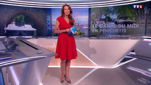 Anne-Claire Coudray JT 13H TF1 le 25.06.2017