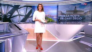 Anne-Claire Coudray JT 13H TF1 le 24.09.2017