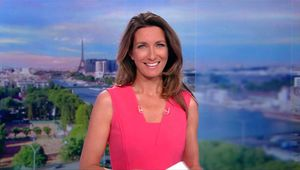 Anne-Claire Coudray JT 13H TF1 le 22.10.2017