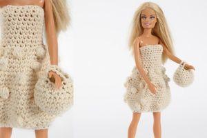 Joli modèle de robe pour Barbie