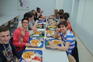 Nous avons mangé avec les lycéens : photos !