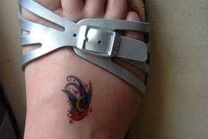 Cassée mais tatouée