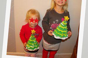 Préparation de Noël et motricité fine avec le sapin en kit de GIFI