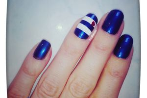 Nail art in Blue.