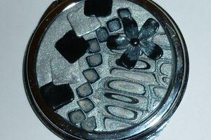 Miroir gris argenté