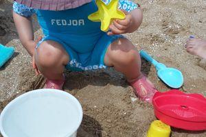 Mes indispensables pour la plage - Comment protéger bébé du soleil en été ?