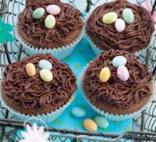 Pour Pâques pourquoi ne pas proposer en dessert  vos convives un petit nid (au chocolat il va s'en dire) ?