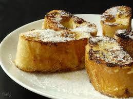 Recyclez votre pain dur : la recette du pain perdu.