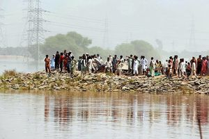 Raging floods reach Multan villages