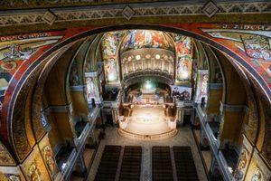 Au choeur de la Basilique de Lisieux
