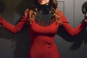 La petite robe... Rouge ou noire ?