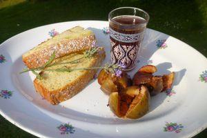 biscuit au muscat et huile d'olive,ses figues pochées et son infusion à la lavande