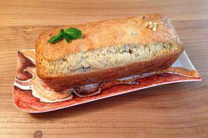 Cake aux gésiers, pignons de pin et menthe