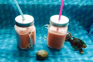 Smoothie ananas, gingembre, pomme orange et framboise