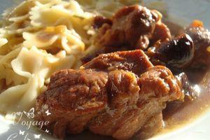 Sauté de porc au pain d'épice et aux pruneaux