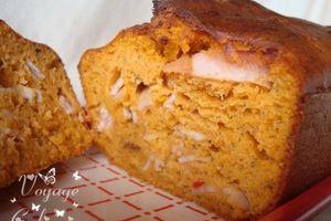 Cake au pesto rosso et dinde fumée