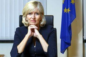 """La médiatrice de l'Union Européenne s'excite contre """" Le lobbying du tabac """""""