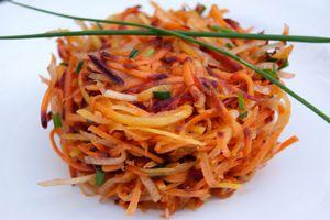 Salade de carottes râpées multicolores