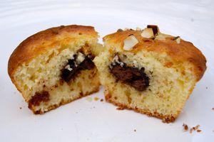 Muffins à l'amande, coeur de chocolat (sans lactose)