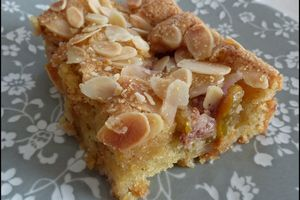 Gâteau moelleux aux figues fraîches, noisettes & amandes