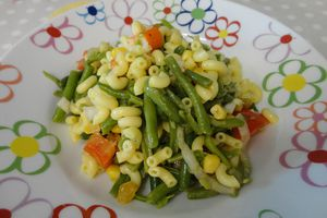 Salade de pâtes version sucrée-salée