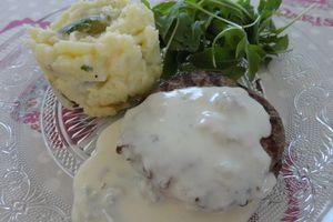 Steack au gorgonzola, purée de pommes de terre et courgettes
