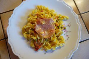 Sylvie et Marc ont testé : Les pâtes sauce au curry, petits pois, tomates et bacon