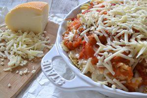 Gratin de pâtes moelleux béchamel sauce tomates et pécorino
