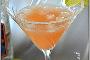 Cocktail Paloma (téquila & jus de pamplemouse rose) Mexique