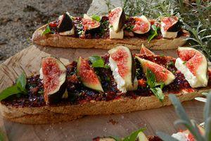 Tartines aux figues de Solliès & gorgonzola / mascarpone crémeux