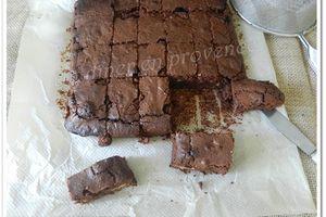 Brownie au chocolat, biscuits Thé Lu et fleur de sel