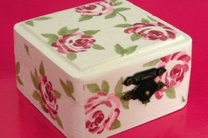 Petite boîte à bijoux romantique