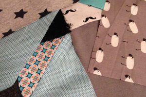 Couture - un tapis d'éveil