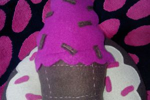 coussin/peluche cupcake